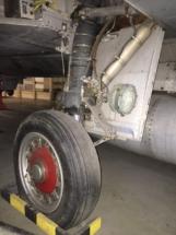 saab-j35f-draken-main-gear-010