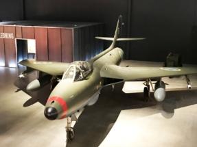 Hawker Hunter 018