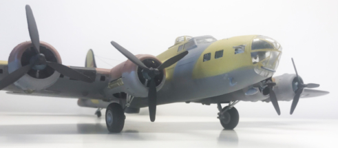 Boeing B-17F (E) Flying Fortress finished 009